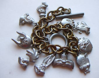 Warner Brothers 1992 Looney Toons Charm Bracelet,10 Charms, Bugs,Daffy,Porky