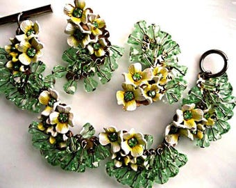 Glass Enamel Flowers Bracelet Earrings, Faceted Peridot Green Crystal Beads, Yellow Florals, Fluffy Ruffle Links, Spring Bouquet Garden