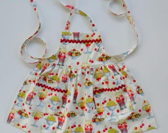 Toddler/girl apron, sundaes and cherries, apron with pockets, yummy apron, birthday gift, stocking stuffer, sizes 1 to 6.
