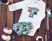 Pack bebes, conjuntos, chupeteros, patucos. first sneakers, bodies, cubrepañal, hecho a mano. baby clothes. handmade. PANDA, cotton fabricc