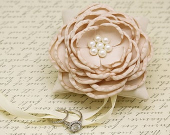 Champagne Ivory Ring Pillow, Dog Ring Bearer Collar, Champagne wedding pet ideas