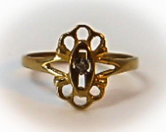 10K  Gold Child's Baby Cross Ring  Small diamond   Size 3   Pinky Ring
