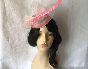 Light Pink Fascinator, Pink Wedding fascinator, Pink kentucky derby  hat, Pink High Fashion Melbourne cup hat for races,