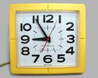 Yellow General Electric Wall Clock, Working Vintage GE Kitchen Clock Model 2203