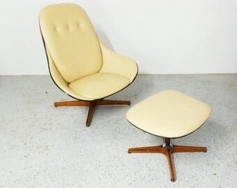 mid century modern rare Plycraft George Mulhauser walnut white naugahyde chair and ottoman