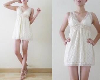 Delicated and Romantic 90s micro mini cream lace dress, sun dress, lingerie, summer, plain,cute texture, elastic bust,scallop hemline, XS-S