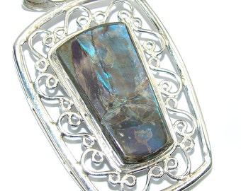 Ammolite Sterling Silver Pendant - weight 11.70g - dim L -2 1 8, W -1 3 8, T -1 8 inch - code 13-cze-16-33