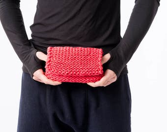 Red unixes pouch / Red knitted  clutch / Knitted wallet / Knitted pouch / Small pouch / Boho bag / Avant garde style