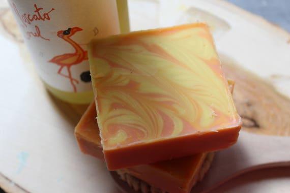 Organic Oils Coconut & Jojoba Soap Bermuda Sun 5.5 ozs