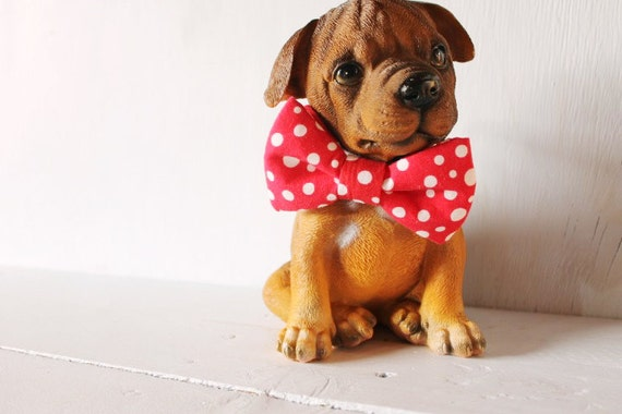 Dog bow tie >> Red and white spot Christmas bow with elastic >> Pet gift