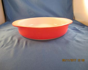 "PYREX flamingo pink 8"" round baking casserole dish"