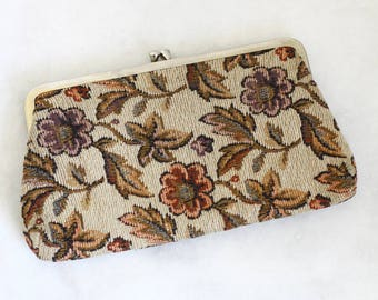 1960s floral tapestry clutch // floral clutch // vintage purse