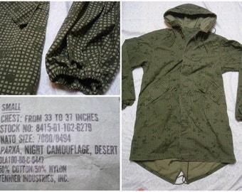 Vintage Retro Men's 80's Military Issue Night Desert Night Grid Camo Fishtail Parka Green Army Oversized Jacket Small Medium  Made in USA