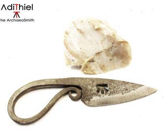 E_04a - FIRE STARTER Necklace KNIFE, Steel Fire Striker + Flint Stone, flint and steel