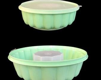 Vintage Tupperware Jello Mold Mint Green Mint Condition Plastic Bowl with Lid Vintage Kitchen Tupperware Mold Dessert