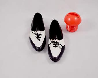 ESPRIT de corp loafers / pointed toe flats / 90s loafers / lace up flats / black white loafer / leather skimmers / menswear inspired