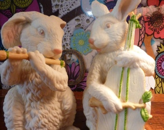 Set Of 2  Vintage Retired Dept 56 Bisque Porcelain Bunny Musician Playing Flute And Cello