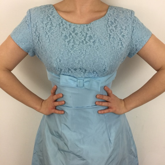 1960s dress vintage lace baby blue bridesmaid prom wedding dress UK 8 60s gogo scooter girl empire line babydoll bow pastel