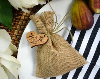 100x Hessian Bag with Wooden Gift Tag