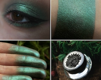 Eyeshadow: Modest from Elnicki - Undead. Cold greenish-blue satin prismatic eyeshadow by SIGIL inspired.