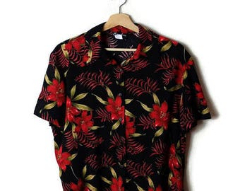Vintage Women's Black x Red Hibiscus Hawaiian shirt/ Blouse from 90's*