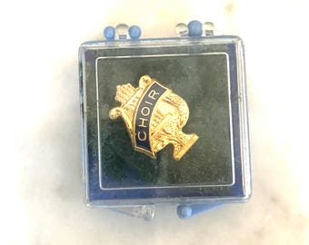 Vintage Gold Choir Pin