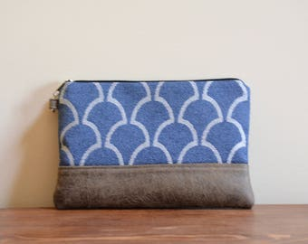 Dark blue / vegan leather zipper pouch