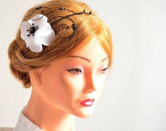 Anemone hair flowers White and black headband Flower hair pin Bridesmaid hair flowers Flower pins White flowers Wedding hair accessories