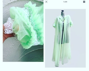 1960's chiffon robe / mint green peignoir / vinage lingerie / ohrback / bombshell / vintage chiffon robe / SISSY / bust 52''