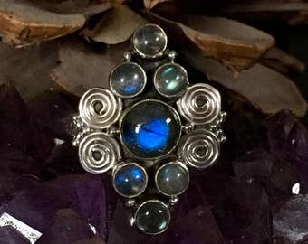 Stunning, flashy labradorite, 925 sterling silver, ring