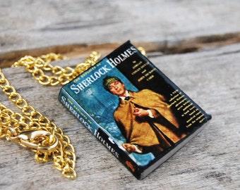 Sherlock Holmes's mini book necklace