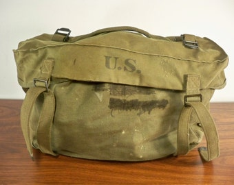 Vintage WWII 2 WW2 Era US Army Boyt 1945 Canvas Green Musette Bag Pack Made in USA