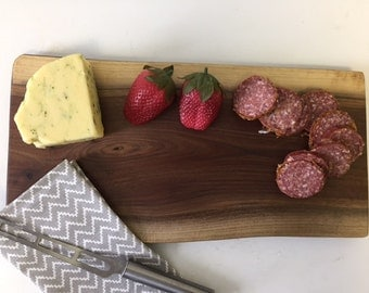 Walnut Cutting Board, Wood Serving Tray, Live Edge Cutting Boards,Charcuterie Board, Rustic Cutting Board,Wood Gifts,Engraved Gifts