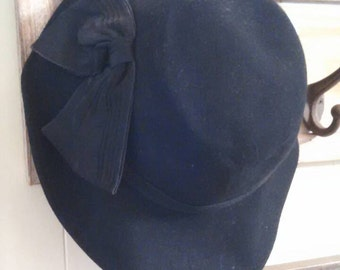 Black Cloche Style Vintage Hat