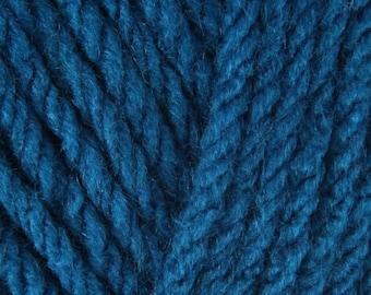 Sirdar Hayfield Chunky Yarn - Colour: Teal - Knitting and Crochet Yarn (Hayfield Yarn, Yorkshire, England)