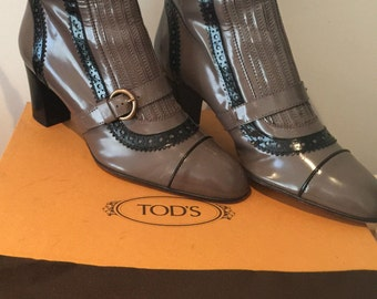 Boot by Tod's , High End Boots anthentic Shoes  5.5 US UK 4  Size 36.5   Genuine gray black leather carved lace leather winter boots box bag