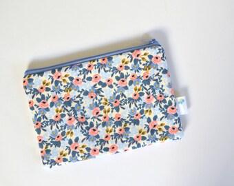 Bridesmaid Gift, Floral Zip Pouch, Cute Zipper Bag, Makeup Organizer, Small Clutch Purse Rifle Fabric Change Purse Cosmetic Bag Zip ID Case