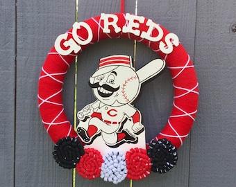 Cincinnati Reds Wreath // Yarn Wreaths // MLB Baseball // Girt For New Home // Baseball Decor // 14 inch