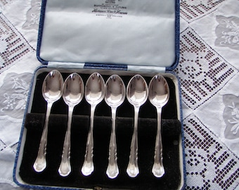 Vintage English Silver plated Tea Spoons Boxed