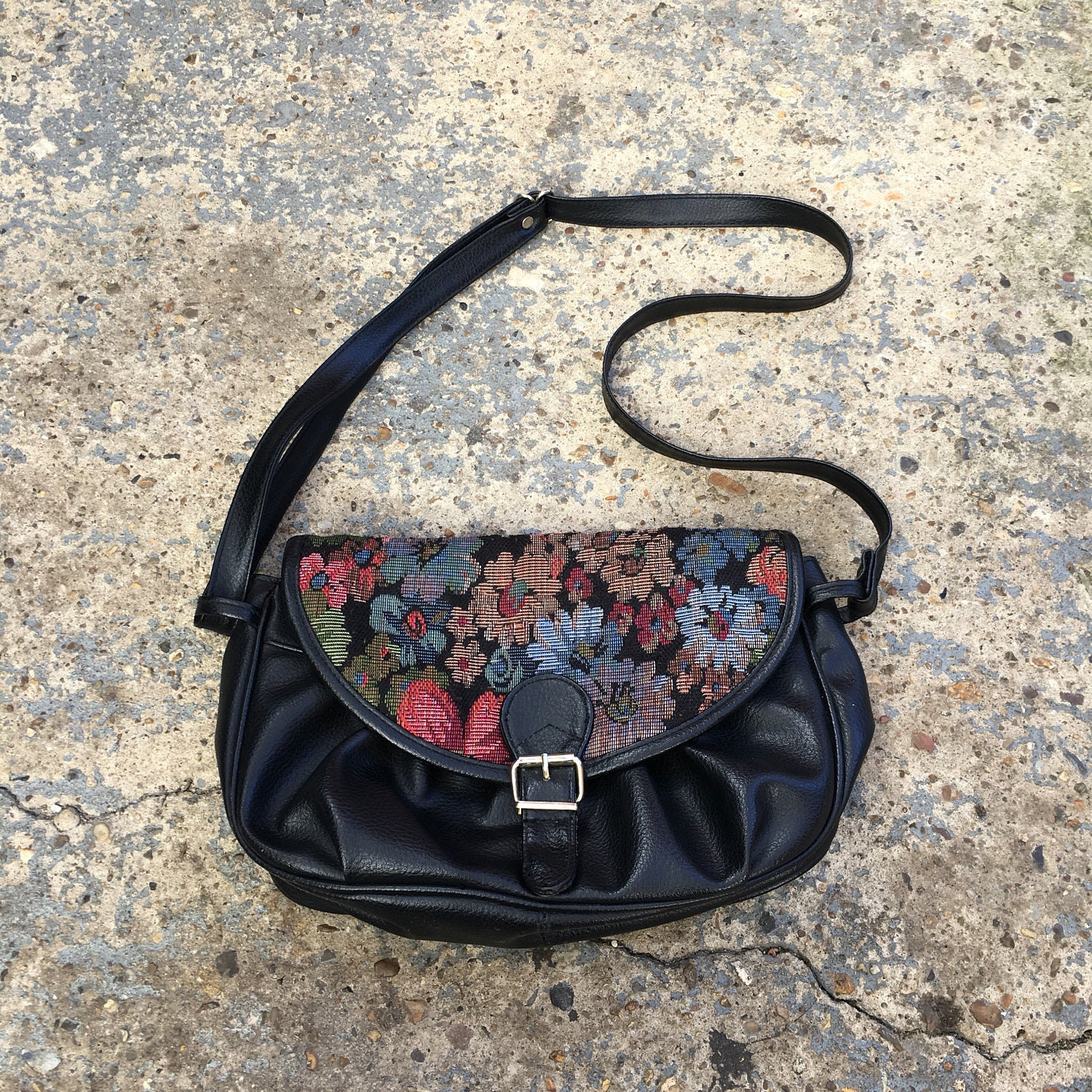90s tapestry shoulder bag   retro black faux leather slouchy purse with ... 705d0e20c2e45