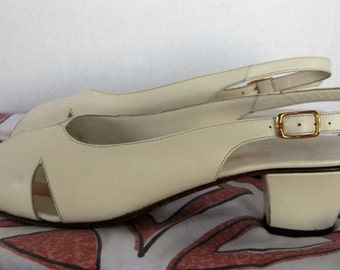 Vintage CREAM Italian SANDALS Slingbacks MASERATI Leather Chunky Heel Size 9