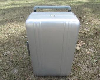 VINTAGE SUITCASE, ALUMINUM Suitcase, Halliburton Zero Suitcase, Mid Century Luggage, Travel Bag, Overnight bag, Vagabond Suit Case