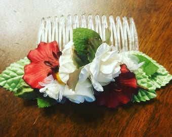 Decorative Red and white hair comb