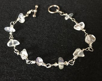 Wire and clear beaded bracelet// 8 Inches long// stackable// mothers day gift// bridesmaids gift// gift//