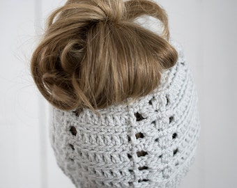 messy bun hat, crochet messy bun, viral beanie, viral messy bun, ponytail hat, hats, beanies, the Betsy beanie
