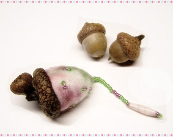 Cute As Can Be Acorn Sewing Needle Emery/Pin Cushion with Acorn Cap - ACORNC