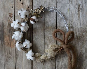 Simple Cotton Pod and Moss Stick Wreath
