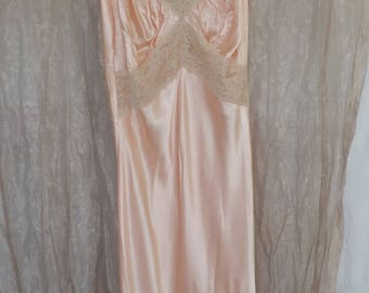 1940s Night Gown