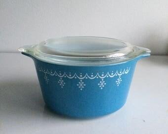 Vintage Pyrex Snowflake Blue Garland Casserole with Lid #473 1 Quart