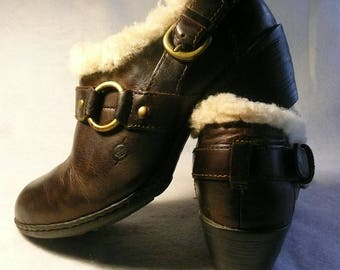 Vintage Born Shearling Leather Western Ankle Boots  Size 7  (38)